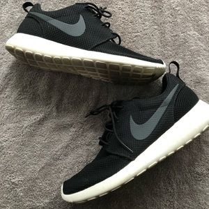 Nike Shoes - Nike Roshe Run One Shoes